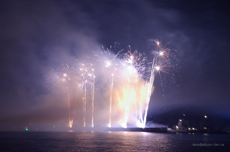 http://www.pikusov.kiev.ua/firework/IMGP2215.jpg