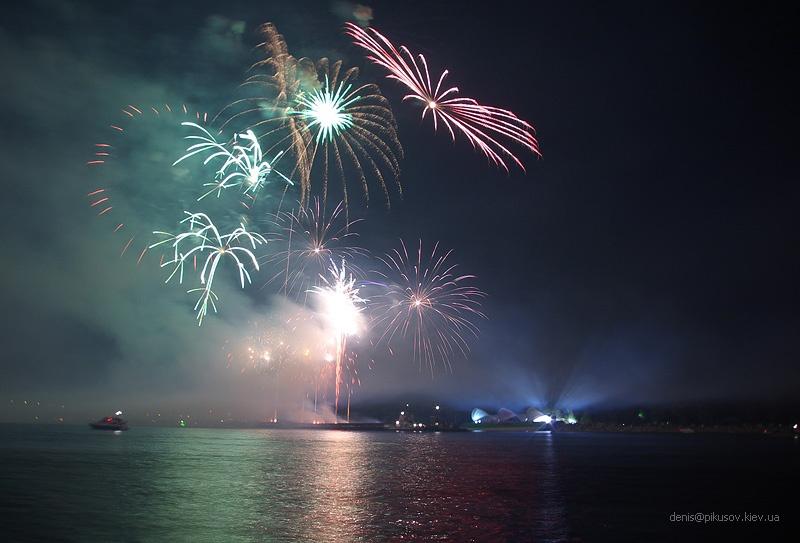 http://www.pikusov.kiev.ua/firework/IMGP2216.jpg